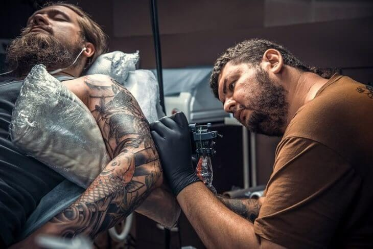 How To Relieve Tattoo Pain What Helps With Tattoo Pain Guide