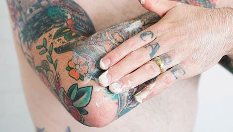 Tattoo Aftercare Tips - First Tattoo aftercare - What do you put on a tattoo with Bepanthen
