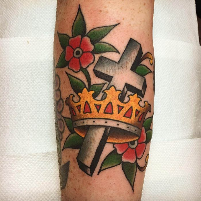 crown tattoo - crown and cross tattoo ideas - crown tattoos on hand